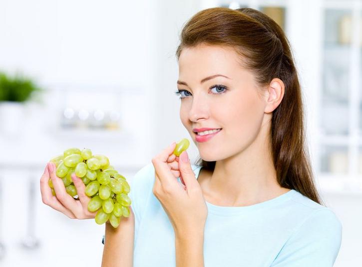 Можно ли есть виноград при гастрите желудка