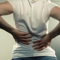 Причины развития опоясывающей боли в спине и желудке