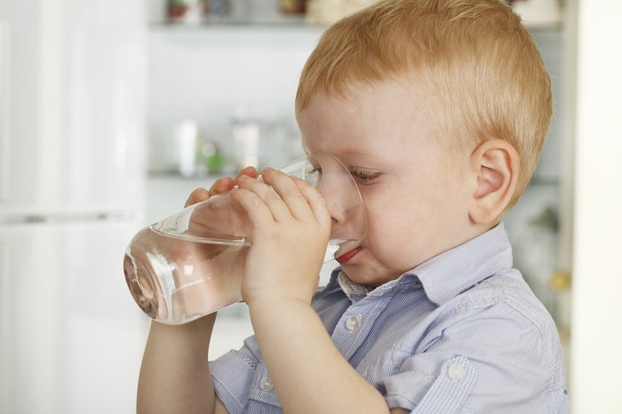 опасность диареи у ребенка