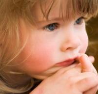 Почему появляется понос у ребенка в 3 года и как можно помочь малышу в домашних условиях