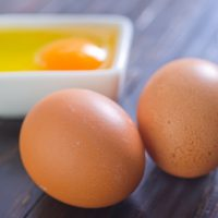 Сырые яйца при гастрите: польза, правила употребления