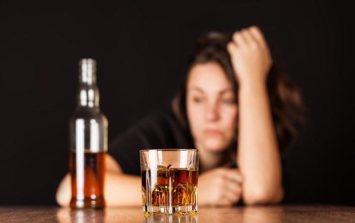 При язве желудка из спиртных напитков можно употреблять