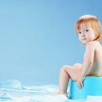 Понос у ребенка с кровью и слизью. Можно ли проводить лечение самостоятельно?