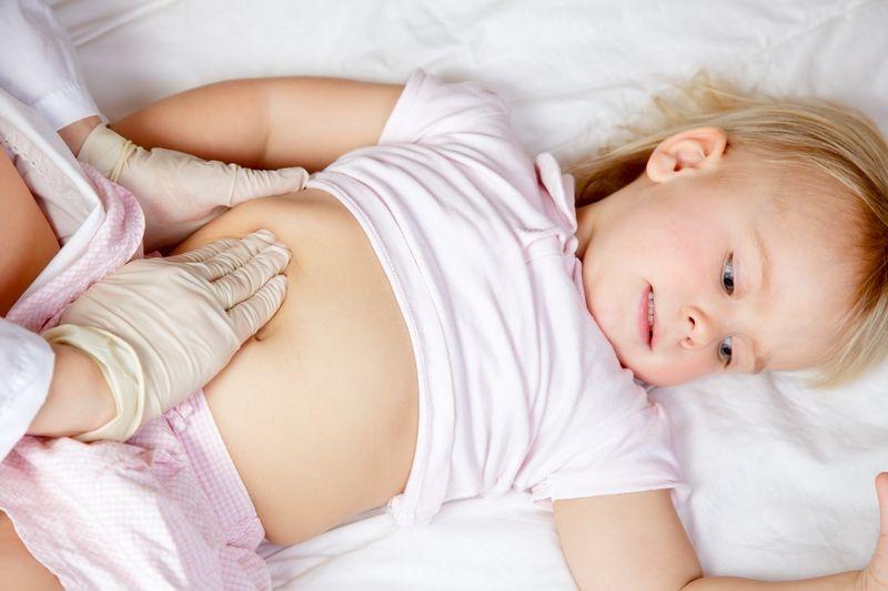 Острая боль в животе у ребенка
