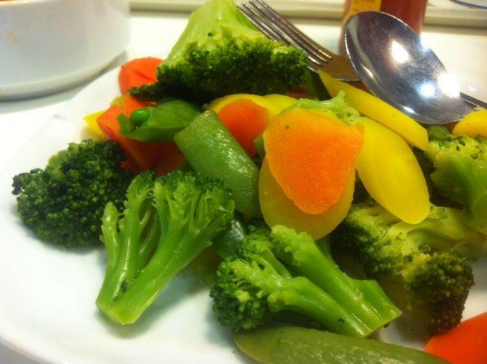 Свежие овощи и фрукты при панкреатите