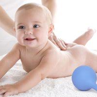 Как сделать клизму новорожденному при запоре