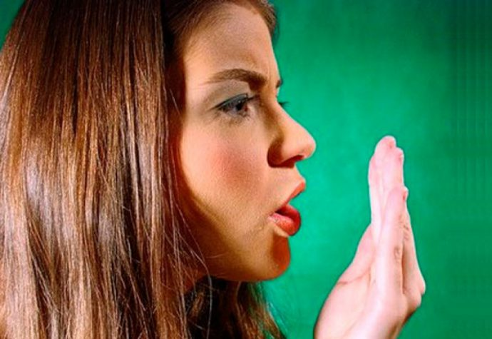 неприятный запах изо рта утром печень