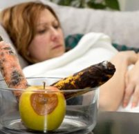 Что делать при отравлении пищей в домашних условиях