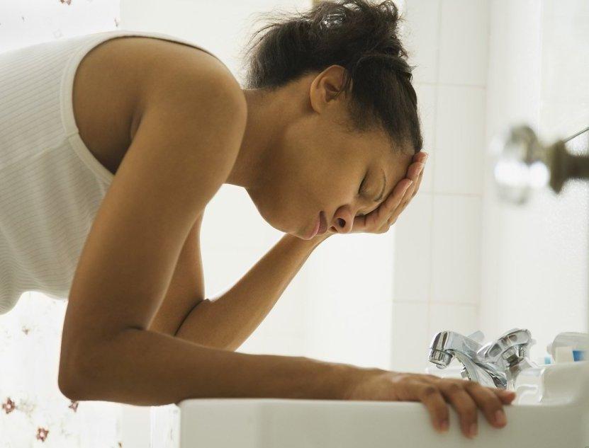 Что делать при тошноте и рвоте в домашних условиях 81