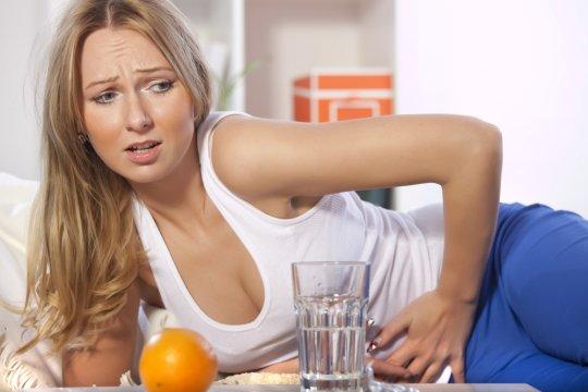 боли в кишечнике у женщины