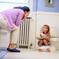 Что делать, если ребенок не какает