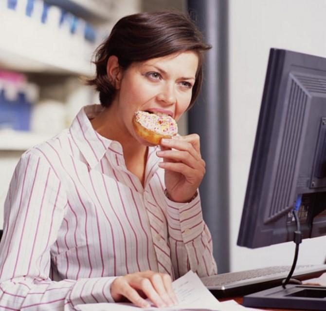 неправильное питание, стресс, перекус на бегу