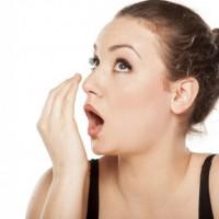 Патологии желудка как основная причина неприятного запаха изо рта