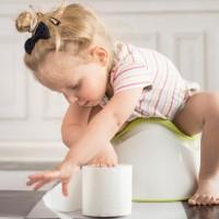 Понос после антибиотиков у ребенка – что делать и как лечить?