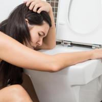 После отравления болит желудок – что делать в таких случаях