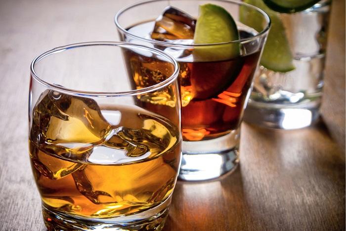 Крепкий алкоголь при гастрите