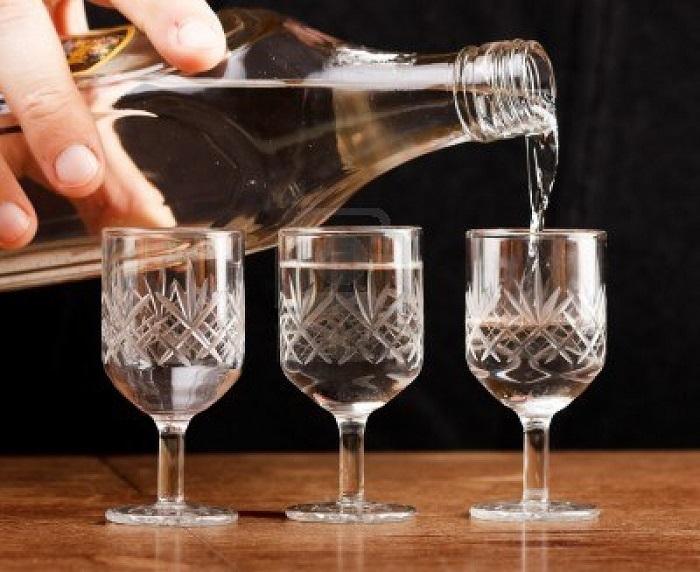 пить водку при гастрите