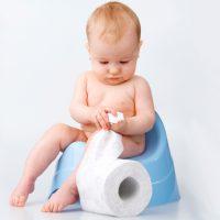 Понос у ребенка 4 и 5 месяцев: причины, лечение