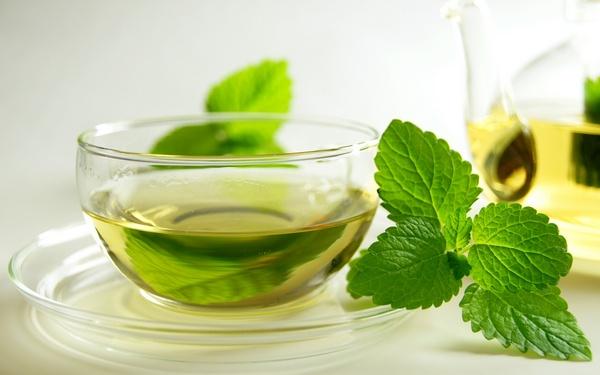 чай с мятой против вздутия живота