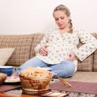 Тяжесть в желудке после еды при беременности