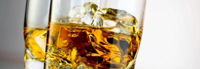 Почему болит желудок после алкоголя