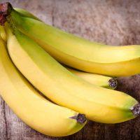 Банан на голодный желудок – почему их нельзя есть?