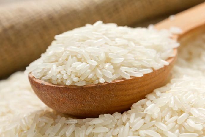рис на ложке