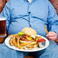 Тяжесть в животе после еды