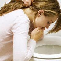 Рвота сразу после еды: причины и симптомы